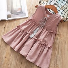 High quality 2018 new casual active sleeveless Solid bow kid children girls dress baby girl clothes white yellow girls clothing Kids Dress Wear, Dresses Kids Girl, Kids Outfits, Kids Frocks Design, Baby Frocks Designs, Toddler Dress, Baby Dress, Baby Girl Dress Patterns, Simple Summer Dresses
