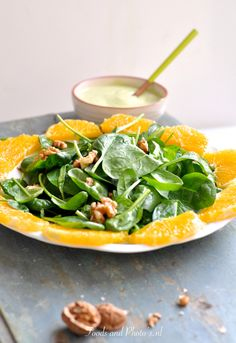 Salade met zalmfilet, spinazie en avocado-dressing: Omega-3 salade! | Avocado Dressing, Omega 3, Spinach, Food And Drink, Pasta, Lunch, Vegetables, Recipes, Lunches