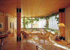 inside Villa Mairea    Vuonna 1939 valmistunut Villa Mairea on arkkitehti Alvar Aallon piirtämä rakennus.