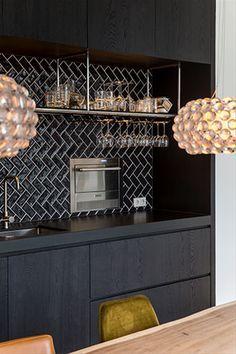 House Interior Design - New ideas Black Kitchens, Home Kitchens, Kitchen Interior, Interior Design Living Room, Classic Kitchen, Rustic Kitchen Design, Vintage Kitchen, Kitchen On A Budget, Küchen Design
