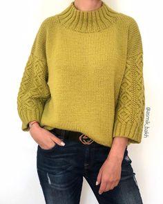 Photo History Of Knitting Yarn Spinning, - Diy Crafts Vogue Knitting, Knitting Yarn, Baby Knitting, Sweater Knitting Patterns, Knit Patterns, Knit Fashion, Sweater Fashion, Cable Knit Sweaters, Crochet Clothes