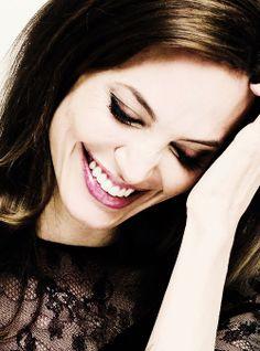 Elizabeth Spencer (Angelina Jolie) Always Smile, Just Smile, Her Smile, Angelina Jolie Photos, Jolie Pitt, Beauty Around The World, Celebs, Celebrities, Celebrity Hairstyles