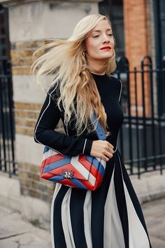 Stripe handbag, it is the highlight fashion accessorie especially when you are wearing black tone outfit!
