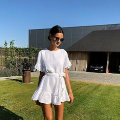 beautiful summer outfits - Find the most beautiful outfits for your summer look. Simple Dresses, Cute Dresses, Casual Dresses, Casual Outfits, Simple Outfits, Fashion Mode, Look Fashion, Womens Fashion, Weird Fashion
