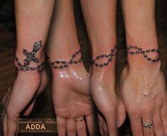 New Tattoo Designs Wrist Bracelet Ideas Roseary Tattoo, Armband Tattoo, Bracelete Tattoo, Anklet Tattoos, Feather Tattoos, Body Art Tattoos, New Tattoos, Hand Tattoos, Sleeve Tattoos