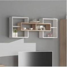 3 Surprisingly Neat and Pleasing Storage Inspirations for Small Bedroom Decor Ideas - Turn your cramped room into a cozy personal quarter with these smart, space-saving storage tricks. They offer a tidy look to your small bedroom interior. Unique Wall Shelves, Home Decor Shelves, Wall Shelf Decor, Room Shelves, Hanging Shelves, Floating Shelves, Decorative Wall Shelves, Small Bedroom Interior, Home Interior Design