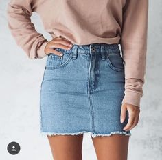 30 Best Summer Outfits Stylish and Comfy Simple denim skirts can go with so much they make outfits easy The Best of fashion trends in 90s Fashion, Fashion Online, Fashion Outfits, Skirt Fashion, Latest Fashion, Denim Fashion, Fashion Trends, Fashion Beauty, Fashion Websites