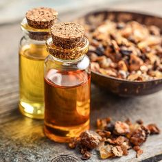 Myrrh essential oil benefits are well-studied. An incredible example of a historical plant based medicine, myrrh essential oil uses are numerous and have... List Of Essential Oils, Myrrh Essential Oil, Oil Benefits, Pituitary Gland, Healing Oils, Wound Healing, Natural Lifestyle, Anti Stress, Carrier Oils