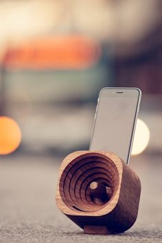 Trobla: A wooden amplifier for iPhone and other smartphones by TOK TOK — Kickstarter Product Design #productdesign: