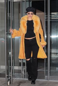 Bella Hadid Out in New York 04/25/2017. Celebrity Fashion and Style | Street Style | Street Fashion