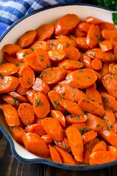 These slow cooker glazed carrots are perfect for a casual dinner or a holiday gathering! The whole family will love these brown sugar glazed carrots. Carrot Recipes, Vegetable Recipes, Veggie Side Dishes, Side Dishes Easy, Vegetable Dishes, Candied Carrots, Glazed Carrots, Side Dishes, Kitchen