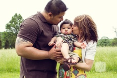 Lifestyle Family Portrait Session in Peddler's Village | Angelina M. Photography