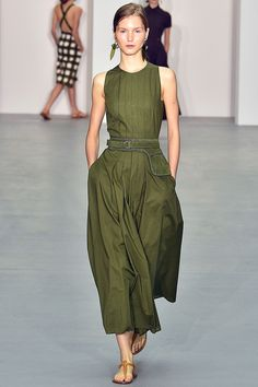 Olive, khaki - whatever you call it, it's one of my fave colours.