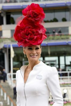 Butterflies, flowers and UMBRELLAS - this year's Ascot saw an extravagant array of headwear on display. Derby Attire, Royal Ascot Hats, Crazy Hats, Kentucky Derby Hats, Fancy Hats, Fascinator Hats, Fascinators, Queen, World Of Fashion