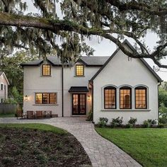 Dream Home: A Charming New Traditional in Florida Beautiful Space, Beautiful Homes, Beautiful Buildings, Transitional House, Neutral Palette, Florida Home, Real Estate Houses, Black Walls, Decoration