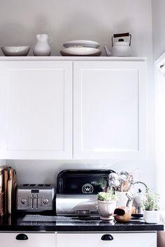white + black + kitchen display