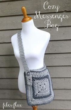 Free Crochet Pattern...Cozy Messenger Bag! ... I like this idea for a simple adjustable strap.