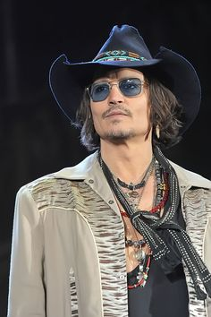 Celebrities - Johnny Depp Photos collection You can visit our site to see other photos. Johnny Depp, Here's Johnny, Beautiful Men, Beautiful People, Donnie Brasco, The Hollywood Vampires, 21 Jump Street, Hunter S Thompson, Sweeney Todd