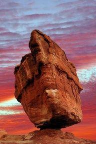 Balanced Rock in the Garden of the Gods, Colorado Springs, Colorado.