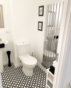 Black and White bathroom 🖤 White Bathroom, Master Bathroom, Persimmon Homes, Little Houses, Bathroom Inspiration, Toilet, Black And White, Collections, Decor