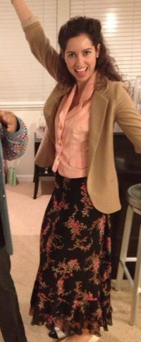 My old friend went to a 90s party dressed as Elaine Benes. I think she nailed it - Imgur