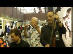 Awesome impromptu performance by Senior ... Release Me (Engelbert Humperdinck) - Awesome Impromptu Performance by T F Tan @ Paragon (12 Feb 11) - YouTube