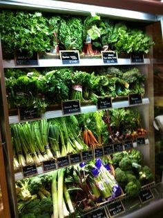 Eataly NY Produce Displays, Vegetable Shop, Supermarket Design, Recipe R, Fruit Shop, Farm Shop, Shops, Aquaponics, Retail Design