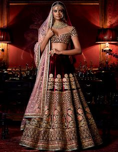 Check out Sabyasachi Bridal Lehenga designs collection that are perfect wedding lehenga for the bride to be. Look gorgeous in these elegantly crafted Sabyasachi Bridal lehengas. Sabyasachi Lehenga Bridal, Indian Bridal Lehenga, Indian Bridal Outfits, Indian Bridal Wear, Indian Dresses, Bridal Dresses, Sabhyasachi Lehenga, Heavy Lehenga, Lehenga Wedding