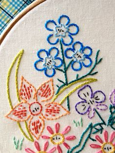Alice's Garden Embroidery Pattern from Little Dorrit & Co. | Sew Mama Sew | Outstanding sewing, quilting, and needlework tutorials since 2005. #embroidery #flowers @sewmamasew