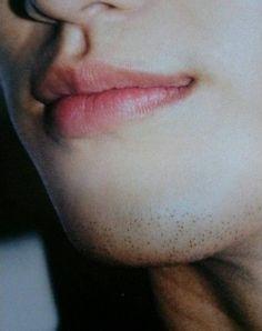Kim Soo Hyun  sexy stubble&lips(¯﹃¯)   仰月唇+茬神马的……  #kdramahottiesi