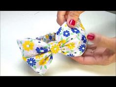 Turbante fofinho - PASSO A PASSO - YouTube Hair Bow Tutorial, Bow Pattern, Fabric Headbands, Fabric Jewelry, Baby Bows, How To Make Bows, Sewing Patterns Free, Baby Sewing, Crochet Baby