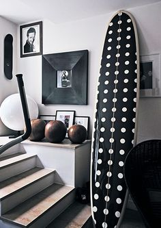 Hang Ten: 21 homes that prove surf is chic // polka dots // black and white // surfboards