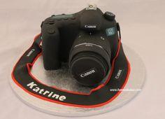 Canon 70D cake! www.hanneskaker.com Canon 70d, Fujifilm Instax Mini, How To Make Cake, Eos