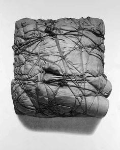 Christo and Jeanne-Claude: Package 1961 Moustaches, Land Art, Contemporary Sculpture, Contemporary Art, Christo Art, Galerie Creation, Christo And Jeanne Claude, Art Sculpture, Art Portfolio