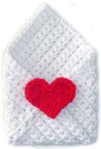 Crochet Envelope + Heart - Tutorial. Could this be tranformed into phone cozy? Would try someday.
