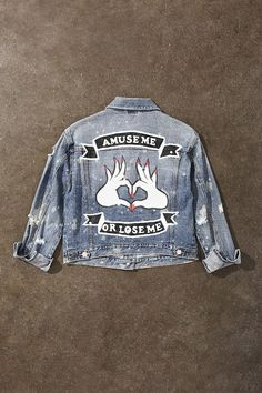 a hot new jean jacket. Browse our distressed women's denim jackets or choose oversized patched denim. Painted Denim Jacket, Painted Jeans, Painted Clothes, Distressed Denim, Diy Jeans, Diy Denim, Denim Kunst, Looks Jeans, Denim Ideas