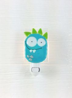 Veilleuse monstre bleu verre fusion bébé par VeilleSurToi sur Etsy, $35.00