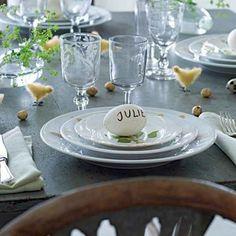 Un œuf en guise de marque-place, décoration de table pour Pâques / An egg by way of mark-place, easter, decoration set for table