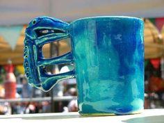 a cup with a bird,foto von michael fueszfadiessener toepfermarkt 17