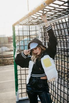 Masha Sedgwick, blogger from Berlin, How to wear: Athleisure, Fenty x Puma, outfit style: sporty, chic, cool