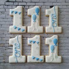 Remake of a pink and gold set, I'm lovi. Remake of a pink and gold set, I'm loving this blue and sil… Happy Birthday! Remake of a pink and gold set, I'm loving this blue and silver set of cookies. First Birthday Cookies, Baby Birthday Cakes, Baby Boy 1st Birthday, Boy Birthday Parties, Blue Cookies, Iced Cookies, Royal Icing Cookies, Sugar Cookies, Biscuit Decoration