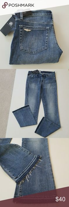 """NWT Rock&Republic Relax in Style Jeans New R&R relax in style and comfort jeans. Some stretch to material for added comfort. High quality brand.  Inseams from crutch to bottom is 32"""". 43"""" waist to bottom.  16"""" waist flat. Look so relax and super cute! 😘 Rock & Republic Jeans Boot Cut"""