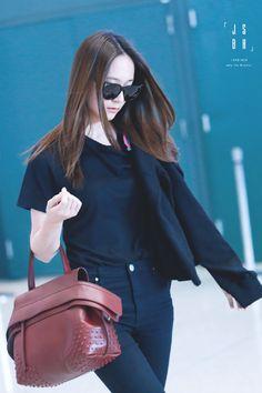f(x) - Krystal Krystal Jung Fashion, Krystal Fx, Korean Fashion Kpop, Airport Style, Airport Fashion, Korean Beauty, Girls Generation, South Korean Girls, Girl Crushes
