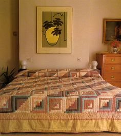 living in the past Retro Bedrooms, Geometric Quilt, Bedroom Art, Living Spaces, Interior Design, House Styles, Mary, Book, Inspiration