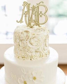 """It's Four Letter Friday! We have many brides with a double-letter first name. They often ask, """"How can we incorporate my two letters into our wedding monogram?"""" Question answered! ⠀ Abby Grace + Bradley's custom 4-letter monogram is a perfect example of this. In addition to wedding items including this cake topper by @theconfettihome, the couple purchased the monogram in embroidery format to use throughout their home. Four letter fabulous! ✨ . . . #weddingmonogram #fourletter…"""