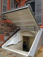 Lucigold Light Weight All Aluminum Basement Bulkhead Door With One