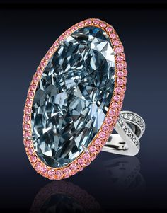 Blue and pink diamond ring, Jacob & Co