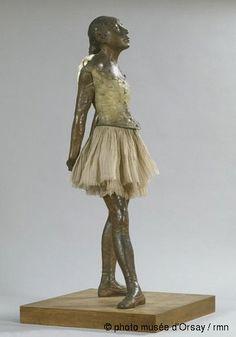 Edgar Degas, petite danseuse de quatorze ans, entre 1921-31, statue en bronze patiné, tutu en tulle, ruban de satin, socle en bois, Musée d'Orsay
