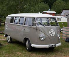 Vw Kombi Van, Car Volkswagen, Vw T1, Vw Camper, Combi Split, Vw Vans, Campervan, Cool Cars, Mustang