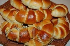 Romanian Desserts, Romanian Food, Pastry And Bakery, Pastry Cake, Fun Desserts, Delicious Desserts, Cake Recipes, Dessert Recipes, Croissant